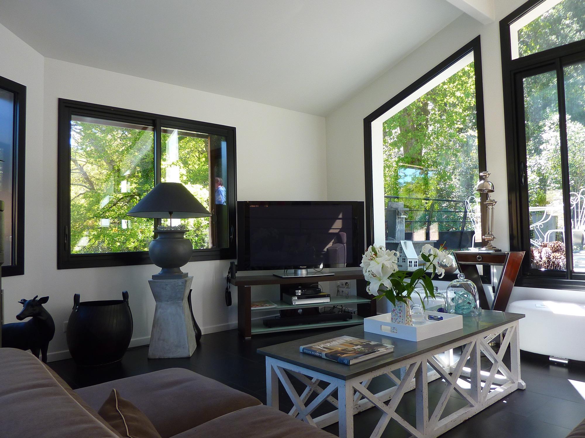 Pyla sur Mer, villa d'architecte très lumineuse avec grande terrasse à vendre