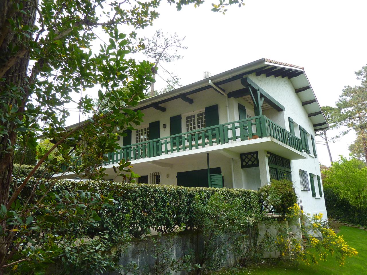 Vendu pyla sur mer grande villa traditionnelle avec vue for Villa traditionnelle