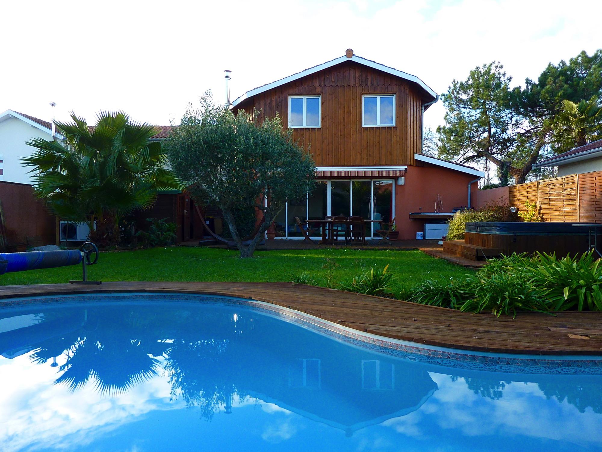 Arcachon quartier de l 39 aiguillon villa avec piscine - Location maison piscine arcachon ...