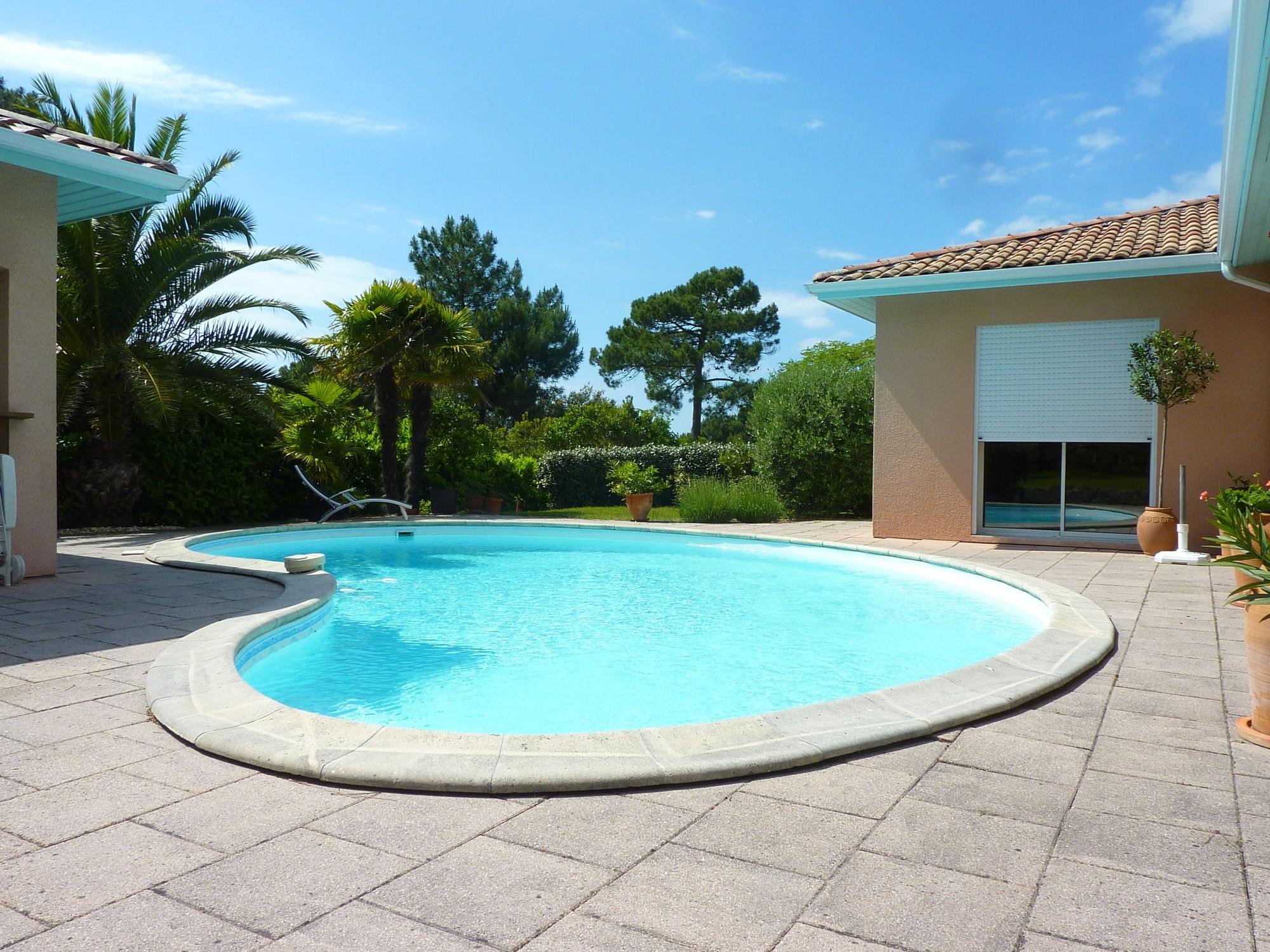Vendu exclusivit pyla sur mer domaine priv villa for Recherche villa avec piscine
