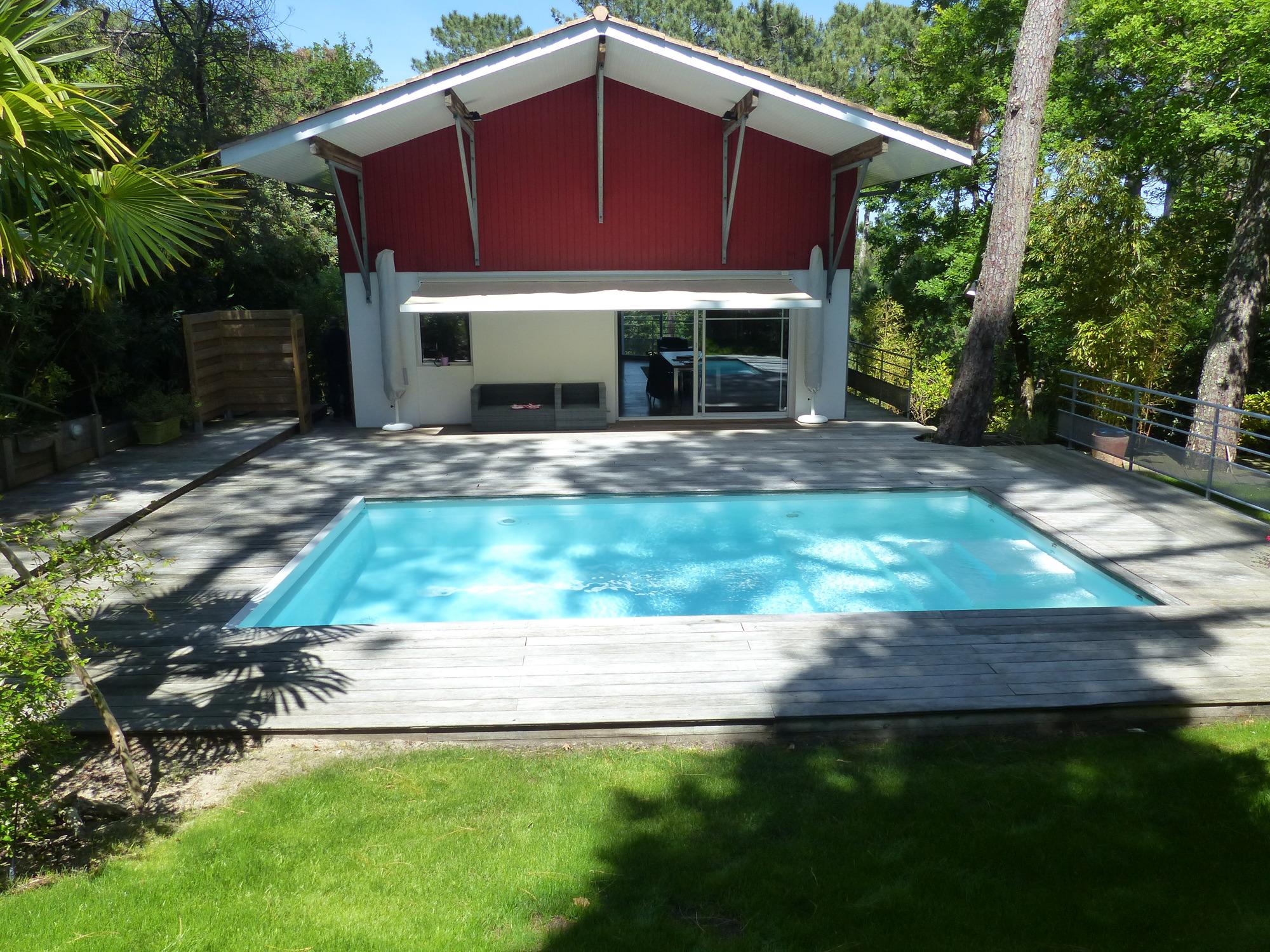 Pyla sur mer corniche vente belle villa contemporaine avec for Vente accessoire piscine