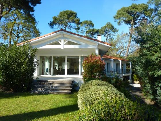 Villa entièrement rénovée, à proximité de la plage pour profiter toute l'année du Bassin d'Arcachon