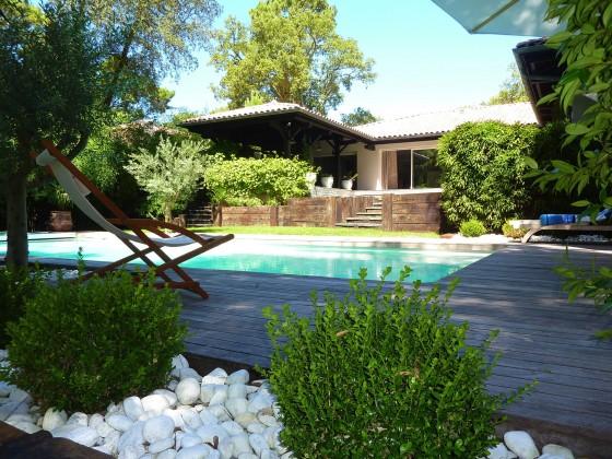 Villa GAUME entièrement rénovée, avec piscine, à vendre chez BARNES PYLA SUR MER