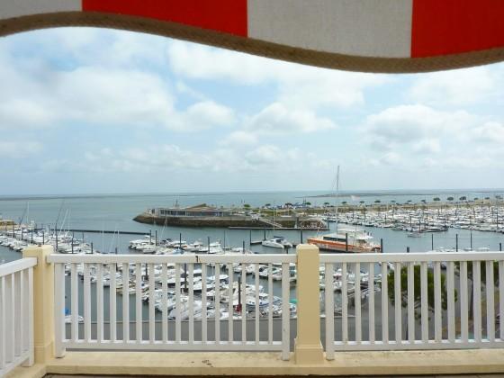 Cet appartement à vendre offre une superbe vue mer et Port de Plaisance d'Arcachon 33120