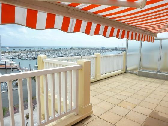 Bel appartement à vendre avec terrasse de 27 m2 vue mer et Port de Plaisance ARCACHON 33120