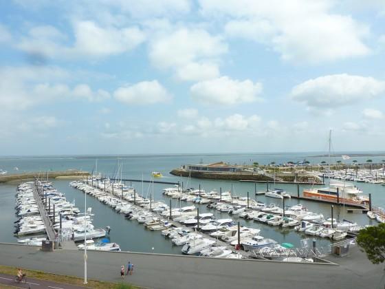 Cet appartement à vendre offre une magnifique vue sur le Port d'Arcachon