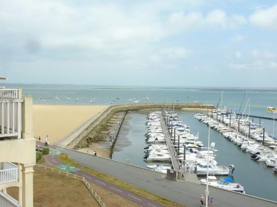 Très bel appartement à vendre dans résidence très recherchée : vue mer et terrasse donnant sur le Port d'Arcachon
