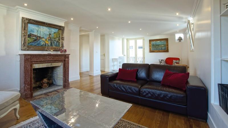 Cet appartement de prestige à le vente dispose de 140 m2 habitables, centre ville et plage 33120 ARCACHON