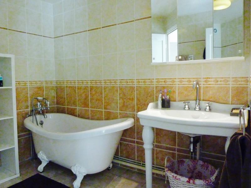 À vendre, apparement de 140 m2 de style duplex avec 3 grandes chambres, séjour, salon, cuisine équipée, salle de bains, ARCACHON 33120
