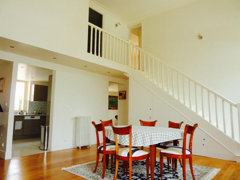 Bel appartement à vendre de style duplex avec 3 grandes chambres, séjour, salon et vaste terrasse 33120 ARCACHON CENTRE