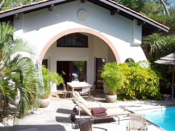 Propriété à louer avec deux villas et piscine à deux minutes de la plage PYLA SUR MER