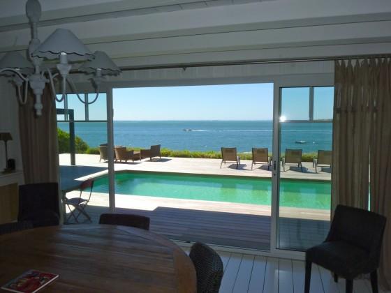 À vendre, Accès direct mer pour cette villa en bois avec piscine et perré privé, accès direct plage, première ligne PYLA SUR MER