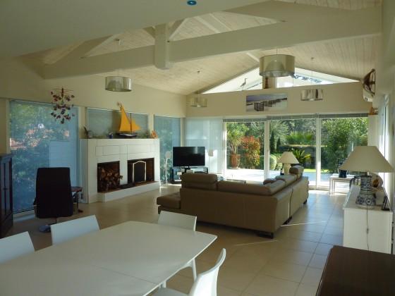 villa à vendre avec cinq chambres à Arcachon 33120 près de la plage