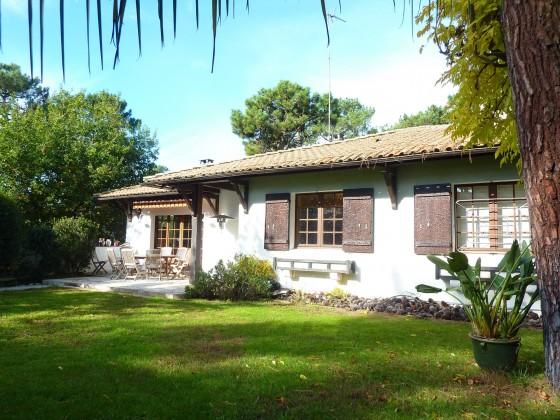 Villa avec jardin paysagé, 4 chambres, sauna et jacuzzi, à proximité du quartier du Moulleau 33120