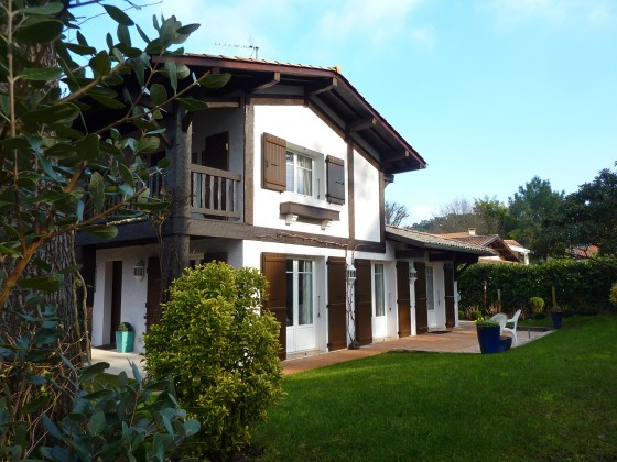 Jolie villa en parfait état et à proximité des commerces du quartier des Abatilles 33120 ARCACHON