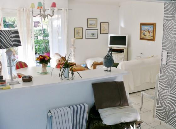 Acheter une maison de plain pied avec cuisine équipée, double séjour, 3 chambres, grand jardin, Parc Péreire 33120 Arcachon