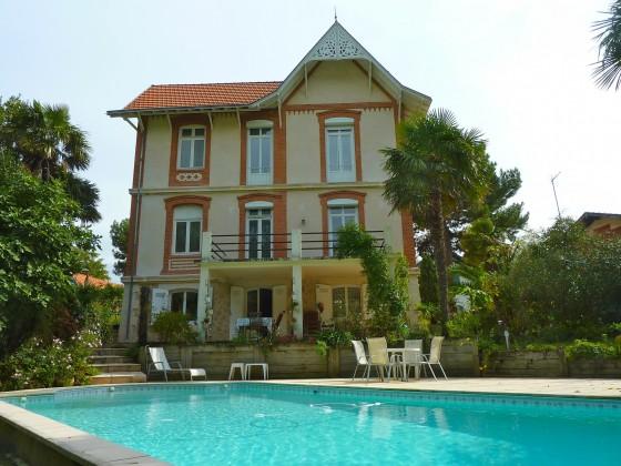 Villa de prestige avec piscine et grand jardin, à proximité du Parc Mauresque VILLE D'HIVER 33120 ARCACHON