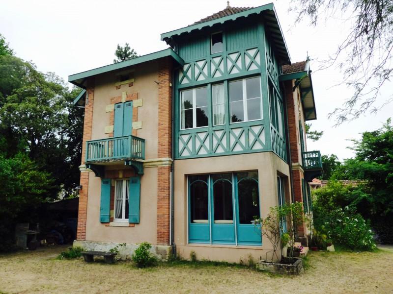 Jolie demeure à vendre à l'emplacement idéal en VILLE D'HIVER à Arcachon