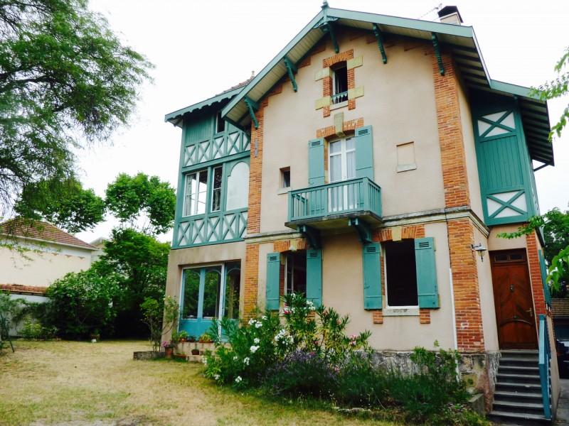 Belle demeure à vendre idéalement située en VILLE D'HIVER à ARCACHON
