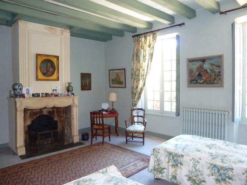 Cette magnifique demeure historique a conservé ses belles pièces architecturales