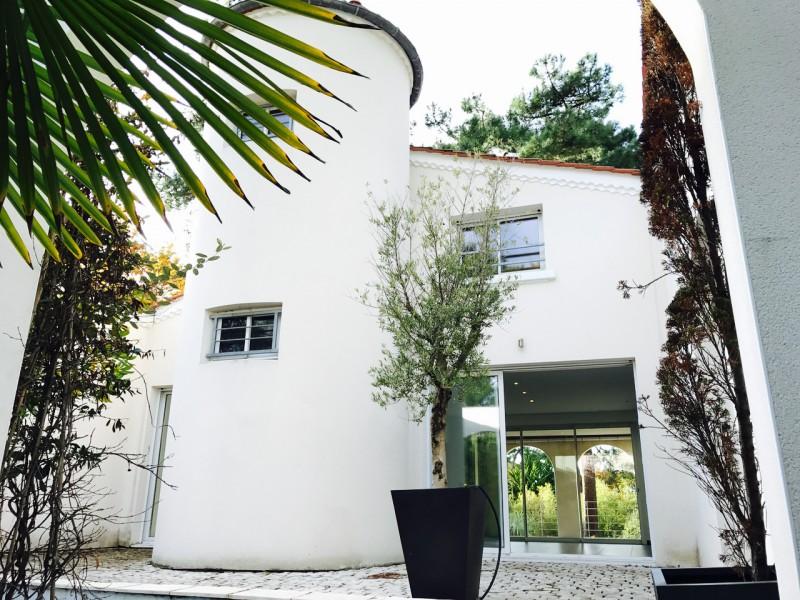 Villa contemporaine de 300 m2 à acheter au PYLA SUR MER