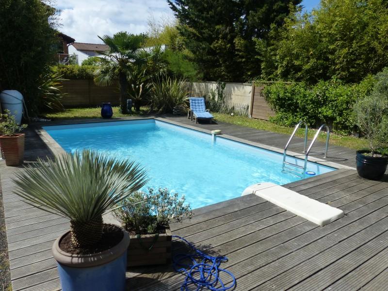 Bassin d 39 arcachon environnement exceptionnel villa bois for Environnement piscine